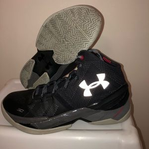 Black Underarmour Curry 2s